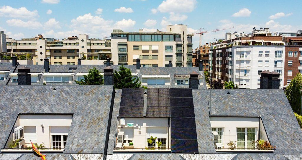 Instalación fotovoltaica All Black